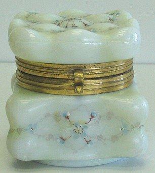 418: Antique Wave Crest Art Glass Dresser Box