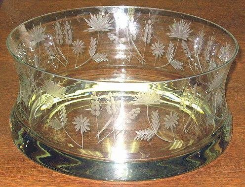 "9: 10"" Vintage Cut Glass Bowl ~Flowers & Foliage"