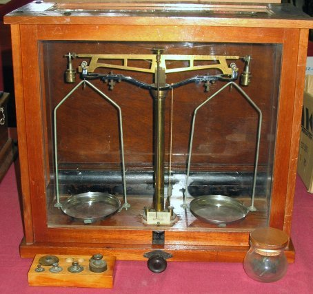 157: Antique Balance Scale in Wood & Glass Case Microid