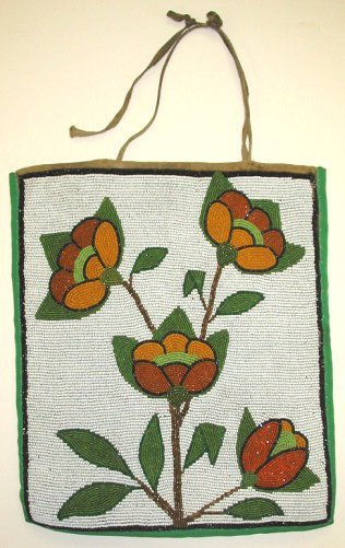 263: c1930s Plateau Floral Beaded Native American Bag