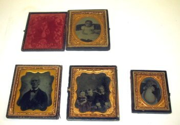 17: 4 Antique Daguerreo type Portraits In Cases