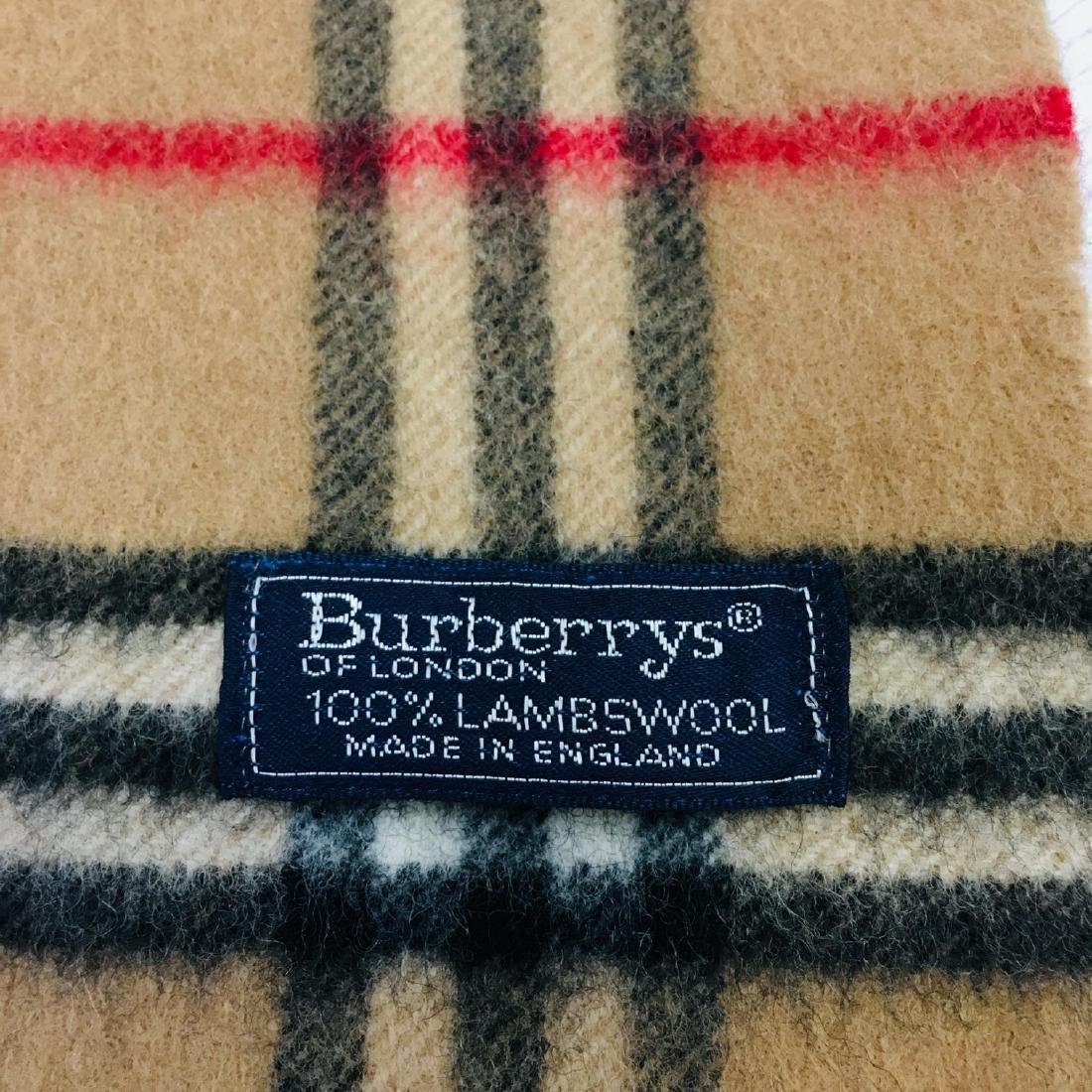 Vintage Burberry 100% Lambswool Scarf - 10
