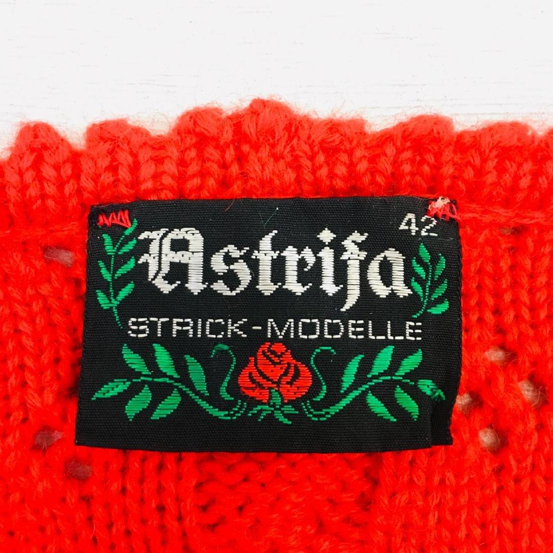 Women's Austrija Strick-Modelle Wool Blend Waistcoat - 8