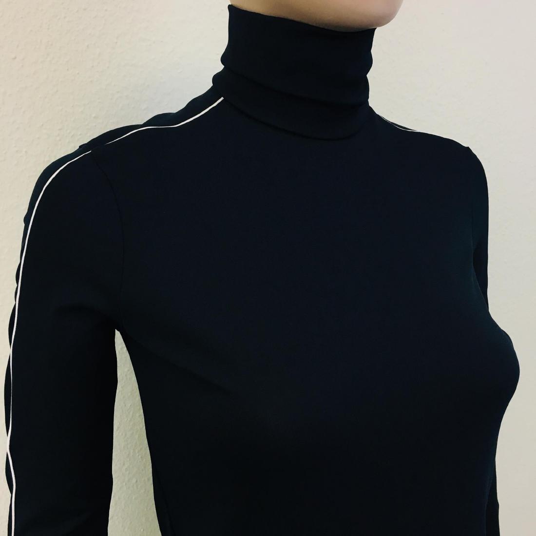 New Women's ZARA Turtleneck Sweater Size M - 5