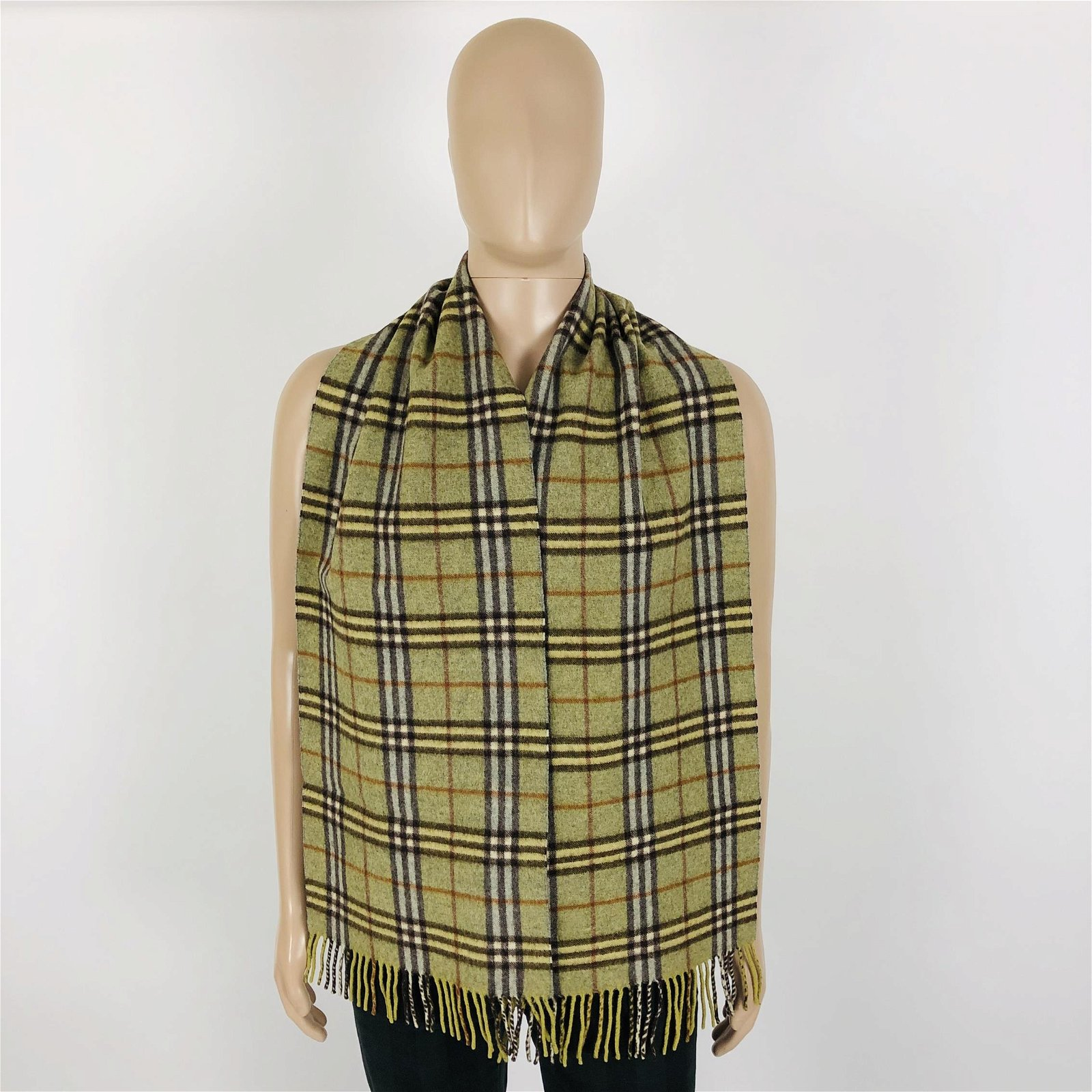 Vintage Burberry 100% Lambswool Scarf