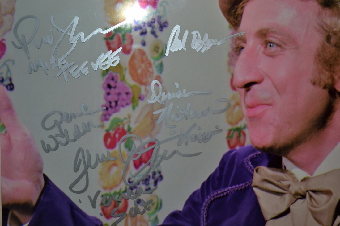 Willie Wonka Autograph Cast, Willie Wonka Cast sign - 3
