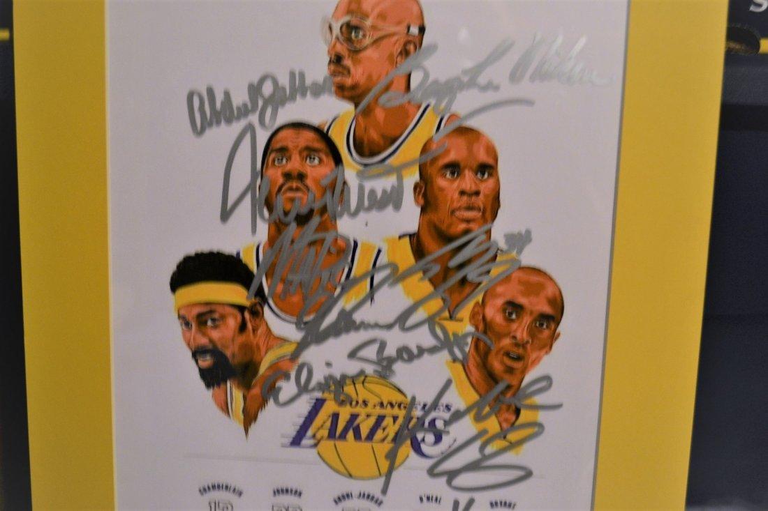 Lakers Greats Autograph Art. Los Angelas Lakers sign - 2