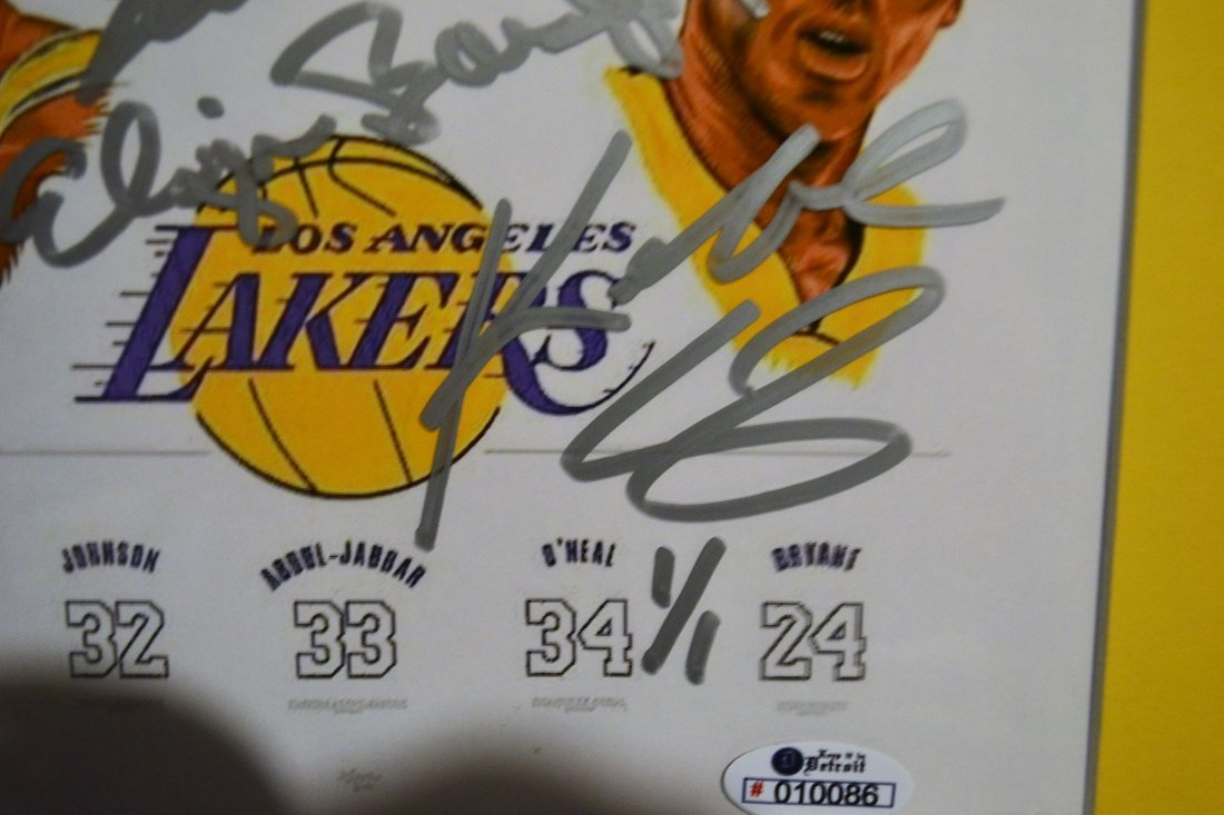Lakers Greats Autograph Art. Los Angelas Lakers sign - 3