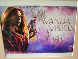 Wanda Vision cast sign Photo , Wanda Vision Autograph