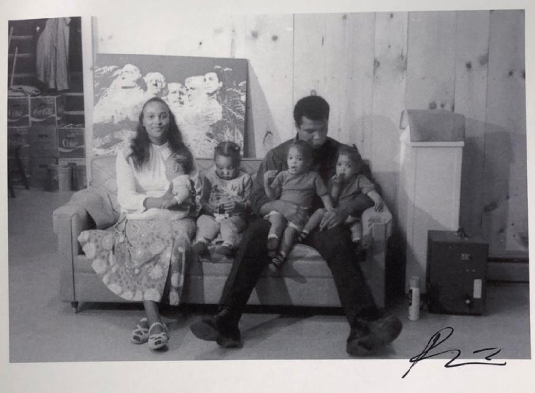 Muhammad Ali w/ Family Circa 1978
