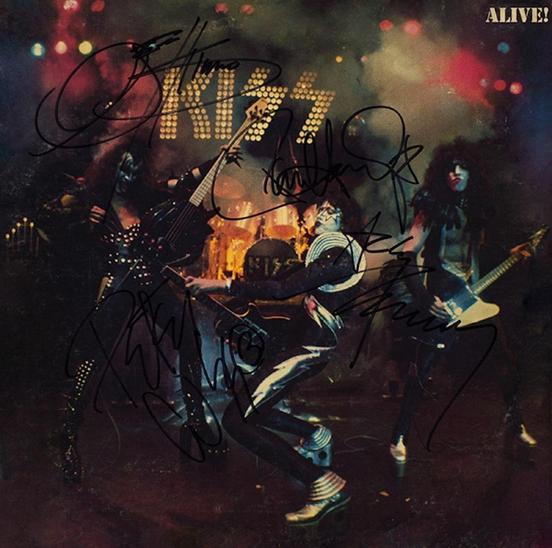 Signed Kiss Alve Album