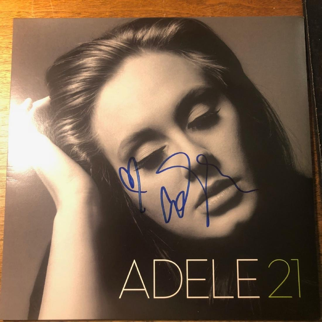 Signed Adele 21 Album