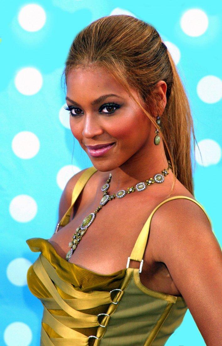 Beyonce Dots