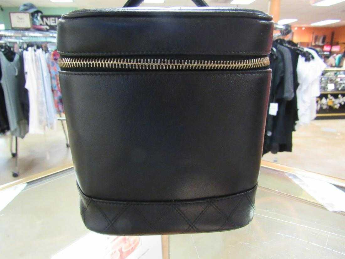 6f8c2de7f546 Vintage Chanel Cosmetic bag