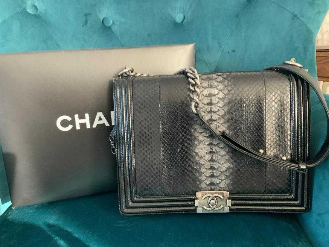 116858b31fd2f1 Chanel boy flap bag