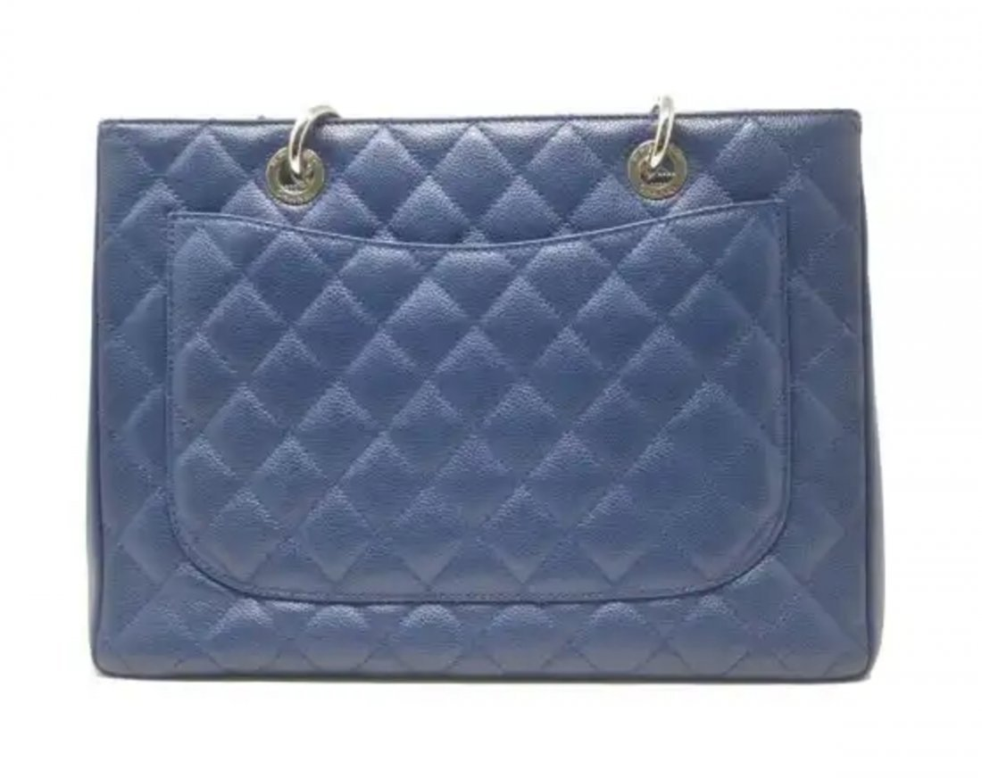 Chanel Caviar Jumbo Single Flap Bag - 4