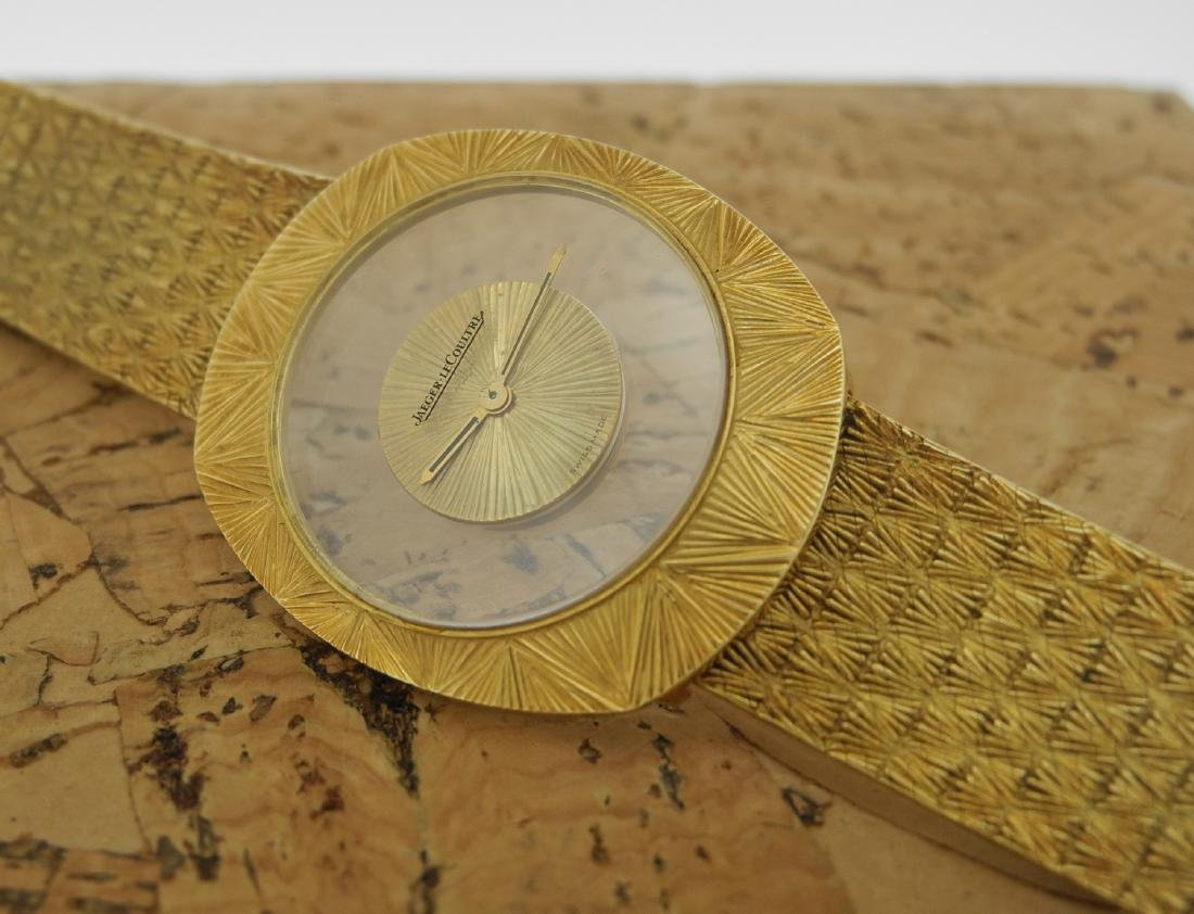 Jaeger LeCoultre Mystery in Yellow Gold Bark Finishing - 2