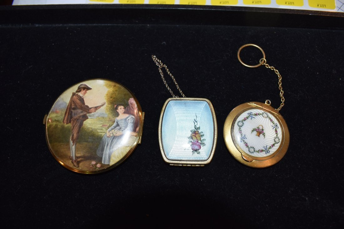 Lot of Vintage Compacts