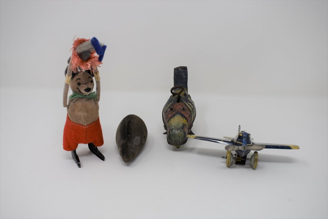 Group of 4 Vintage Wind-Up Tin Toys Shuco