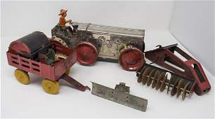 Vintage Marx Wind Up Tin Tractor w Attachments