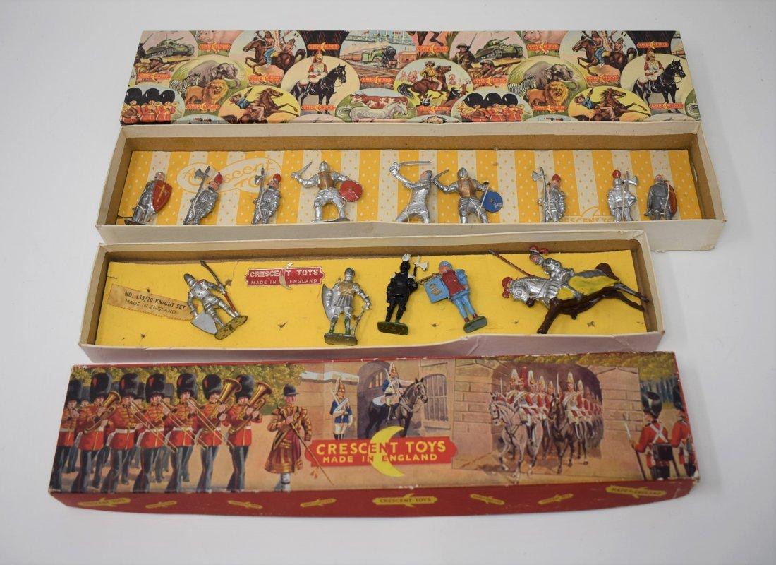 Crescent Toys - 153/20 Knight Set & new Guards set