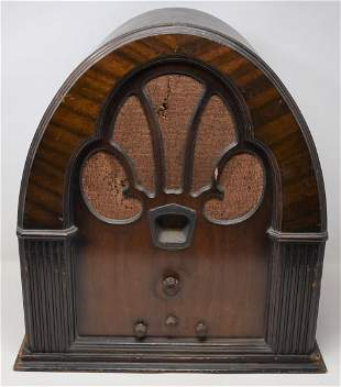 Philco Model 70 Baby Grand Cathedral Radio 1931