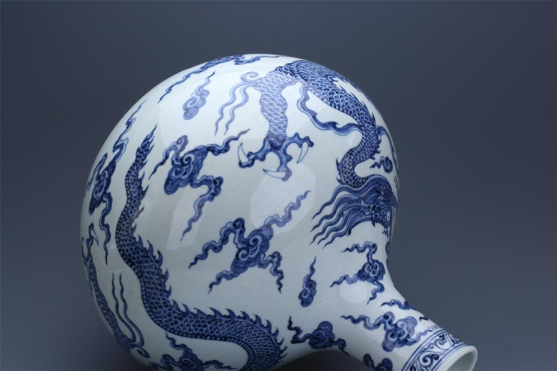 LARGE CHINESE PORCELAIN BLUE AND WHITE DRAGON TIANQIU - 10