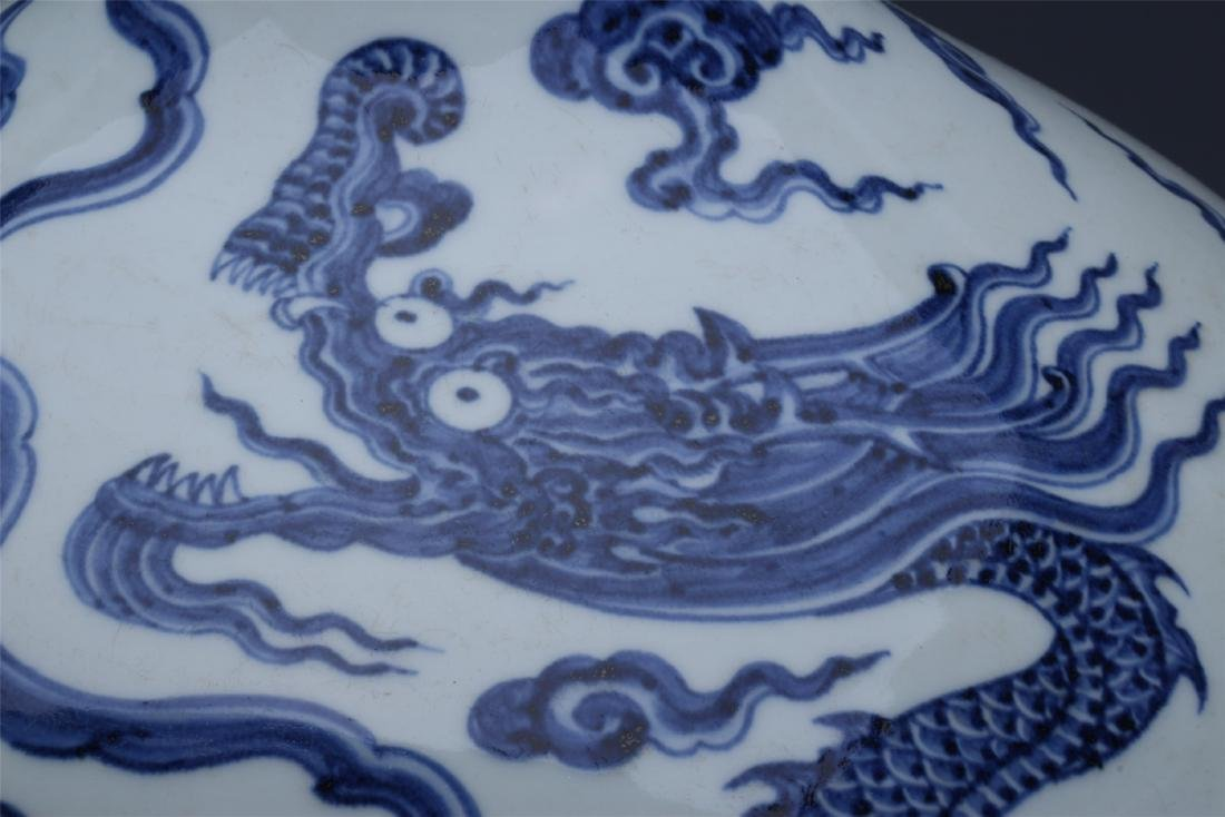 LARGE CHINESE PORCELAIN BLUE AND WHITE DRAGON TIANQIU - 6