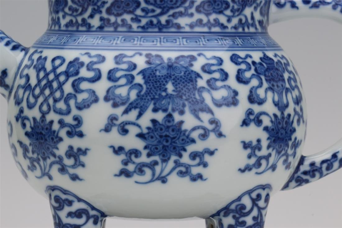 CHINESE PORCELAIN BLUE AND WHITE TRIPLE FEET KETTLE - 2