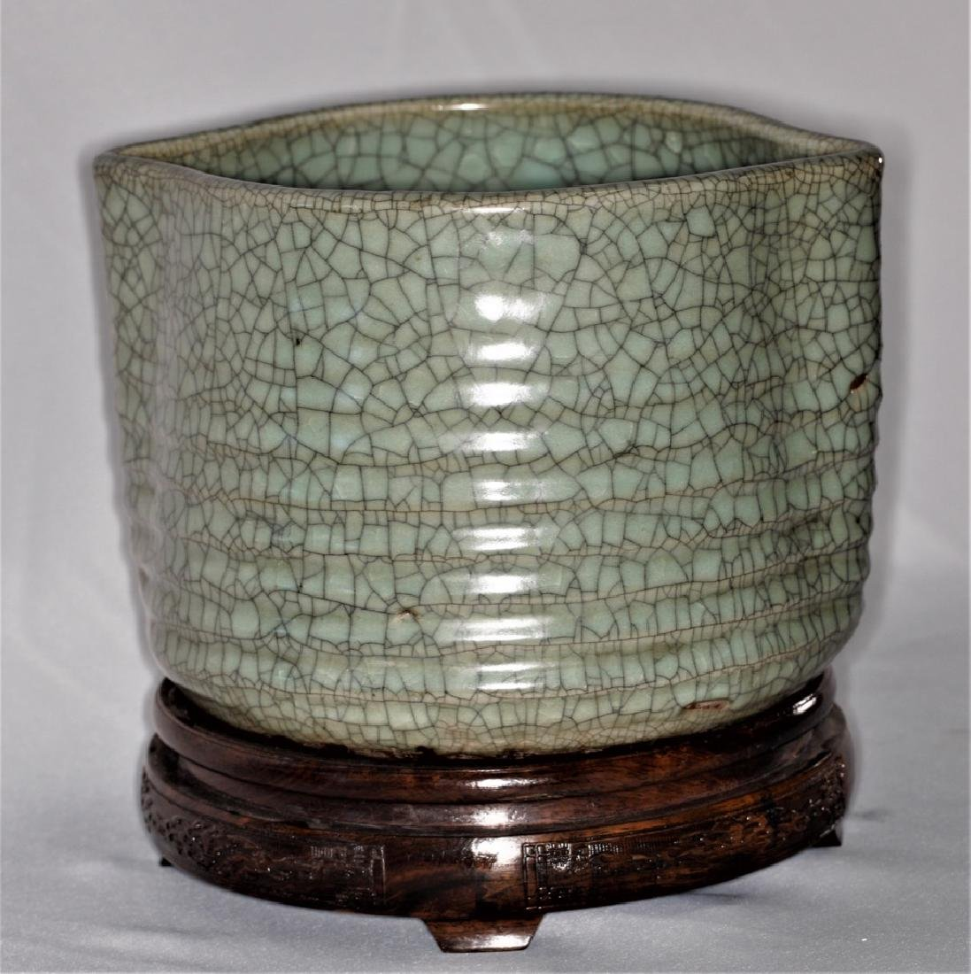 Chinese Song Dynasty Guan Type Crackle Glazed Ceramic