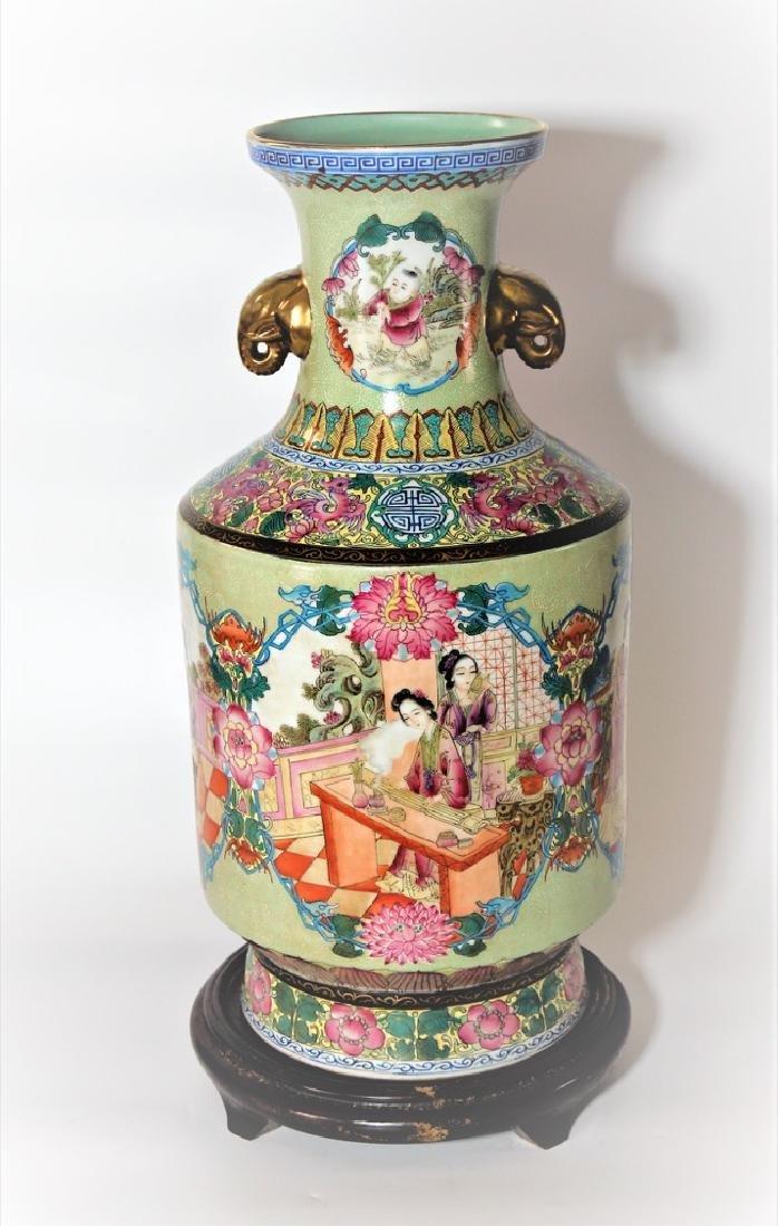 Chinese Qing Dynasty Enameled Porcelain Vase - 2
