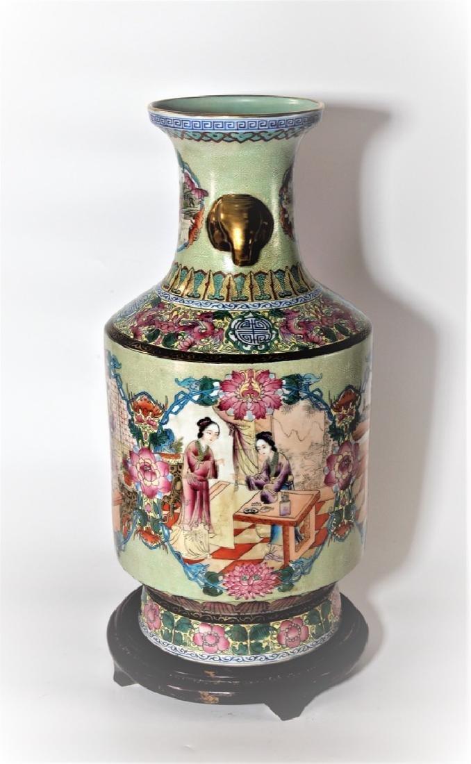 Chinese Qing Dynasty Enameled Porcelain Vase - 3