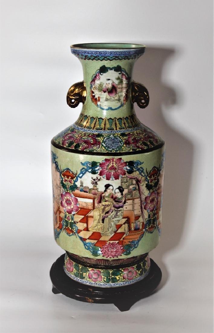 Chinese Qing Dynasty Enameled Porcelain Vase - 4