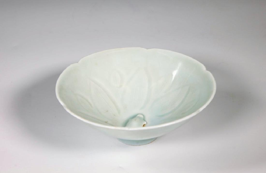 Chinese Song Dynasty Green Glaze Douli Porcelain Bowl