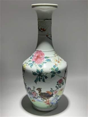 Qing Yongzheng Fencai flower bird porcelain vase