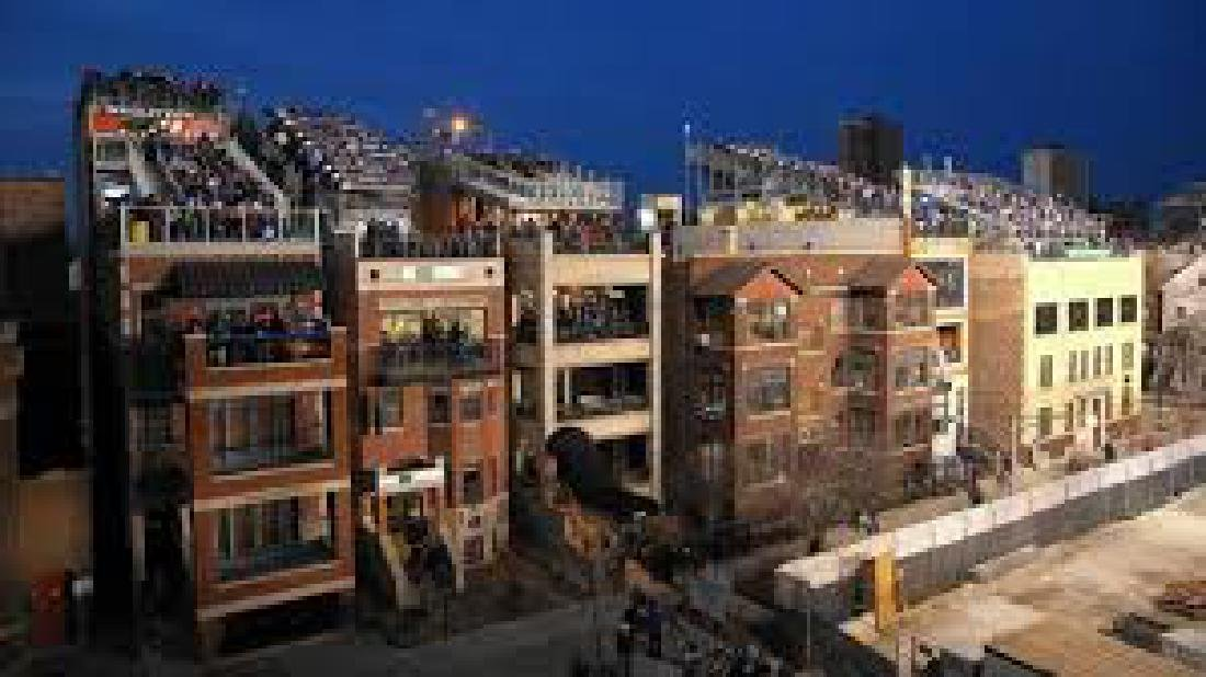 Wrigley Field Rooftop Experience! - 4