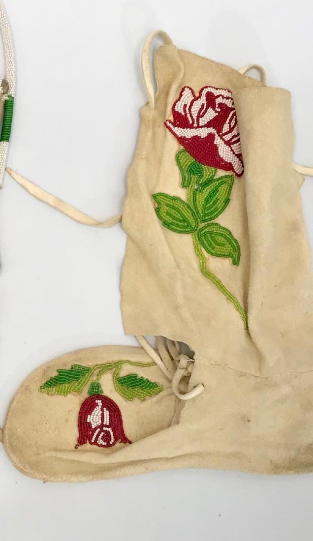 Vintage Navajo Indian, Flathead Moccasins, Beaded Roses - 2