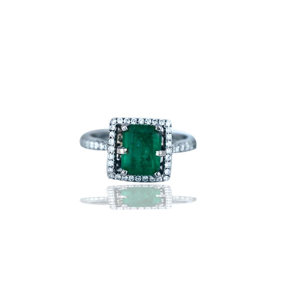 Stunning, 2.48 TCW, Colombian Emerald set in Halo
