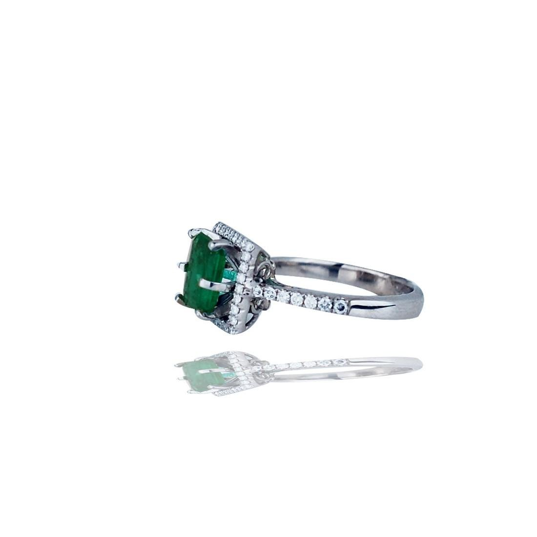 Stunning, 2.48 TCW, Colombian Emerald set in Halo - 2
