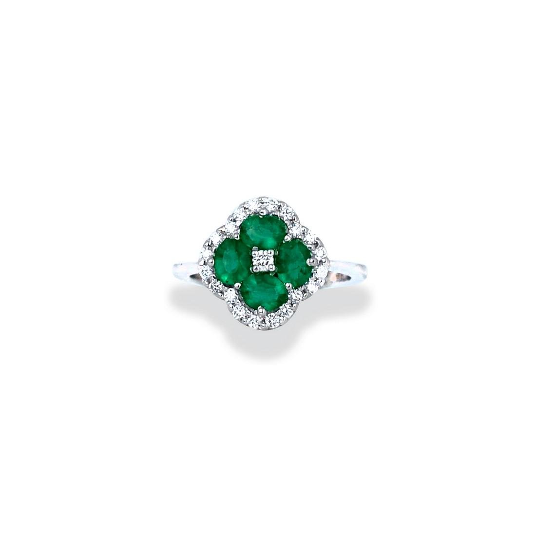 Emerald, 13 mm wide, white gold Clover Shaped Diamond