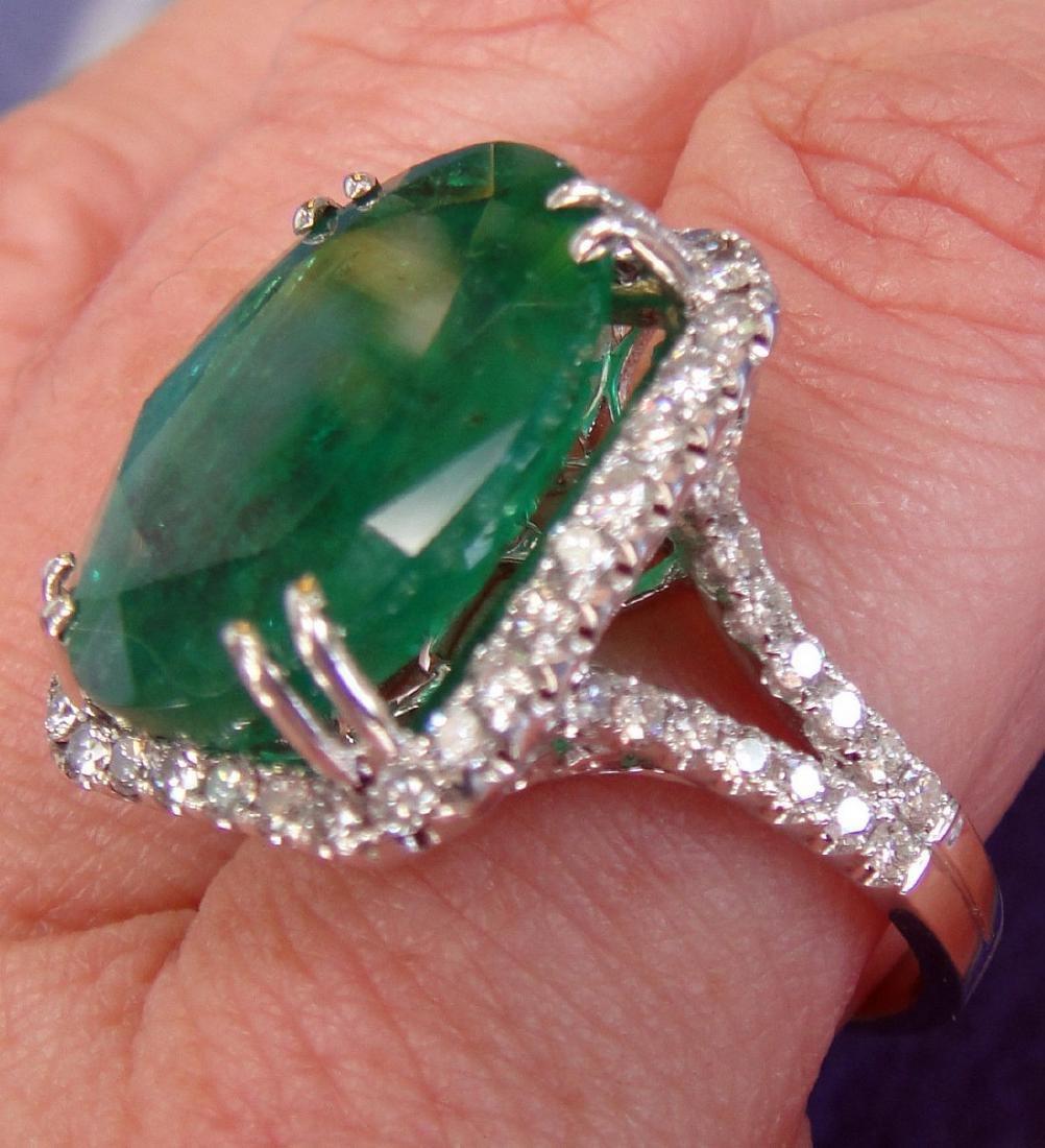 Over 11.5 Ct. Natural Emerald set over 1 carat - 2
