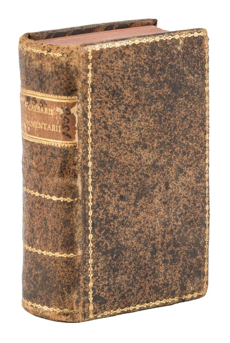 Caesar's Commentaries, 1555 compact edition