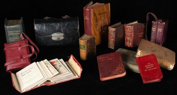 2141: Lot of 19th & early 20th century miniature books