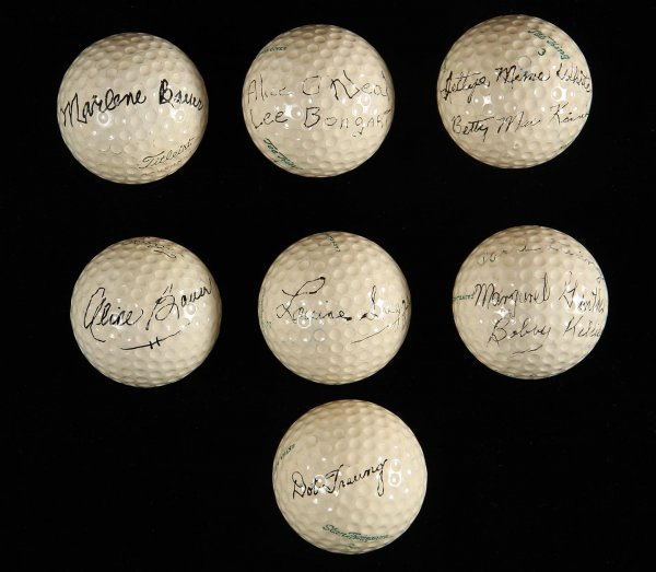 2018: Lot of 7 balls autographed by women golfers