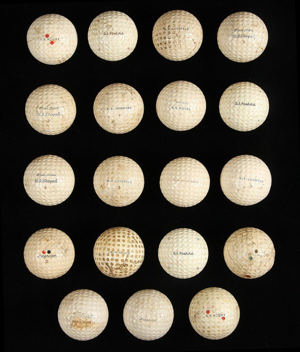 2020: Collection of 19 vintage golf balls