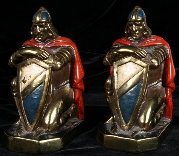 4597: Pair of Knights bookends