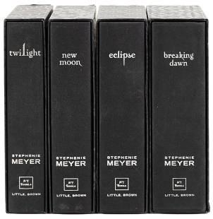 4 Twilight novels uniform binding