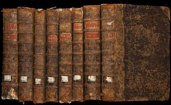 19: Eight volume folio Bible printed in Pais 1642