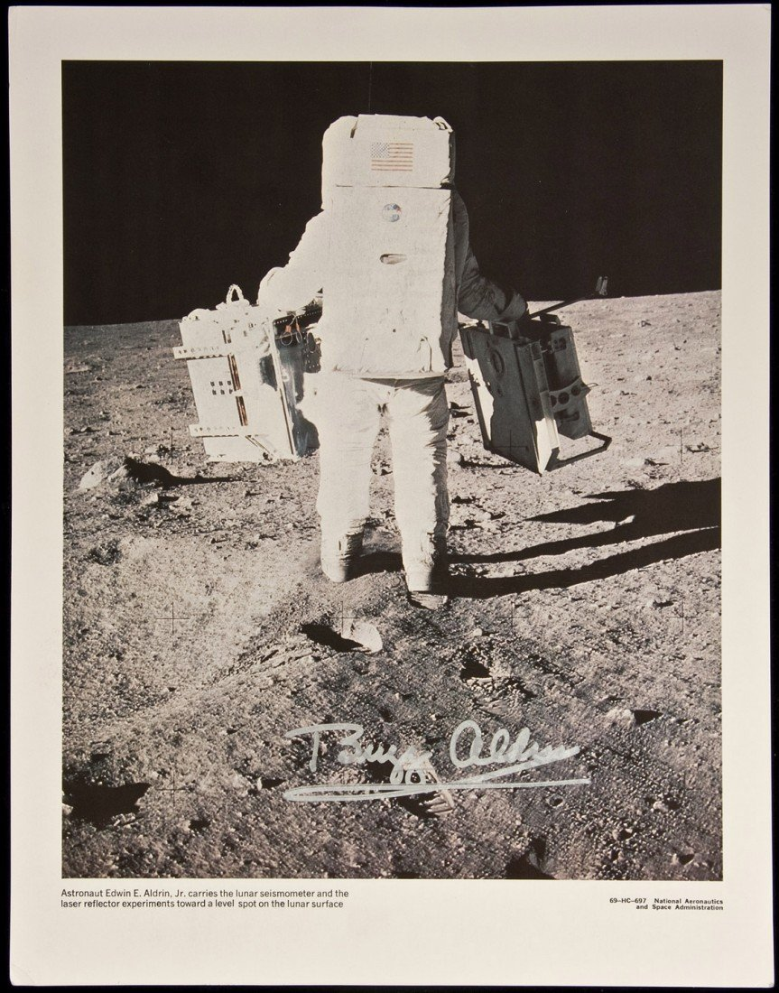 5: Signed photograph of astronaut Buzz Aldrin
