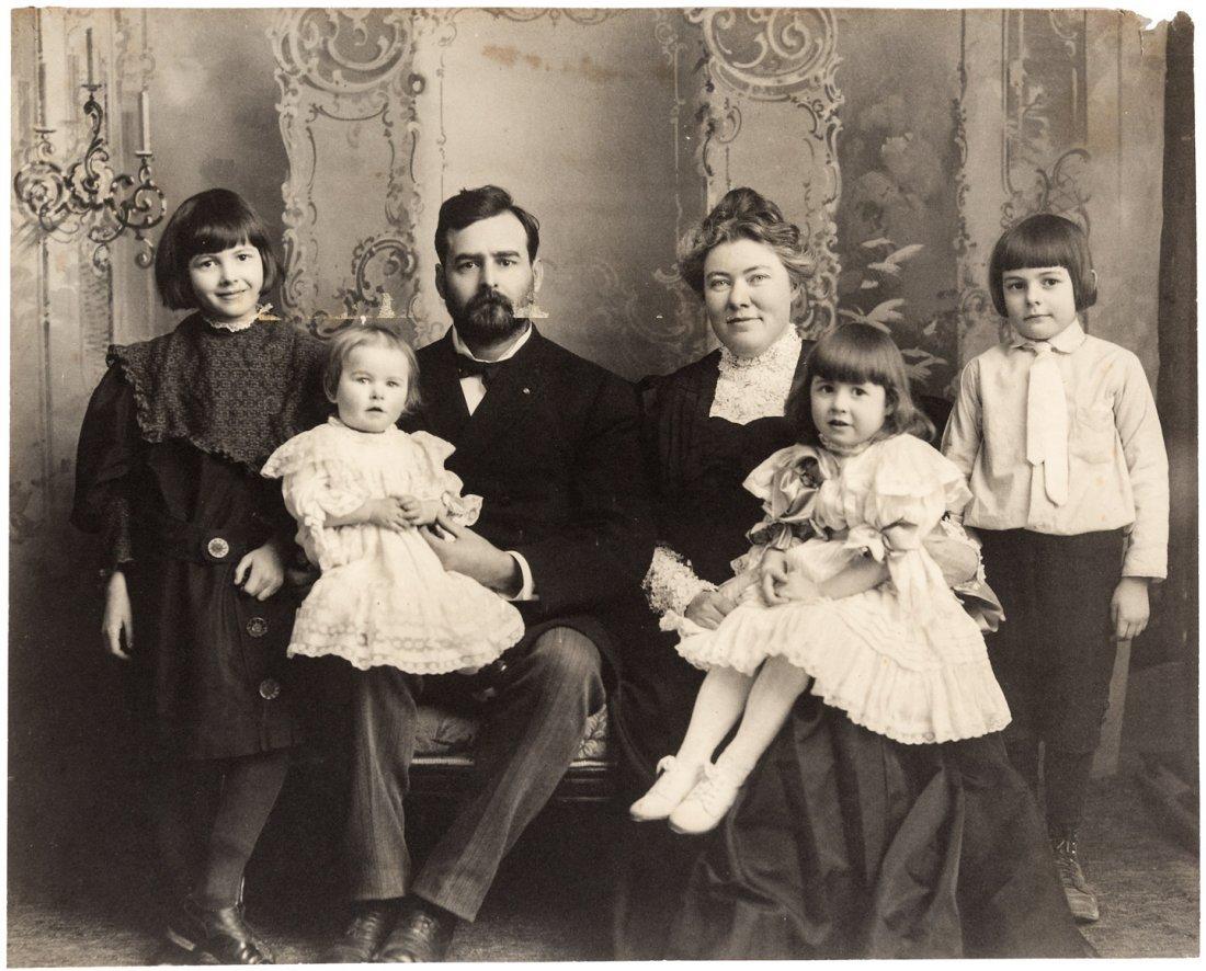 Archive of Ernest Hemingway photographs 1900-1950